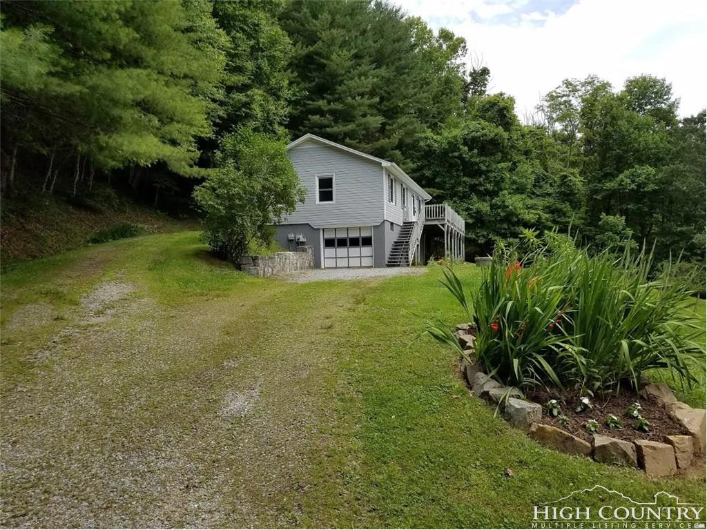 446 Kirby Branch Road,Boone,North Carolina 28607,3 Bedrooms Bedrooms,2 BathroomsBathrooms,Single Family Home,Kirby Branch Road,1011