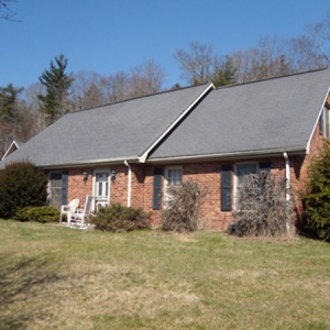 2461 Hwy. 421 S.,Boone,North Carolina 28607,5 Bedrooms Bedrooms,2 BathroomsBathrooms,Single Family Home,2461 Hwy. 421 S.,1027