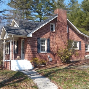 2441 Hwy. 421 S.,Boone,North Carolina 28607,3 Bedrooms Bedrooms,1 BathroomBathrooms,Single Family Home,2441 Hwy. 421 S.,1028