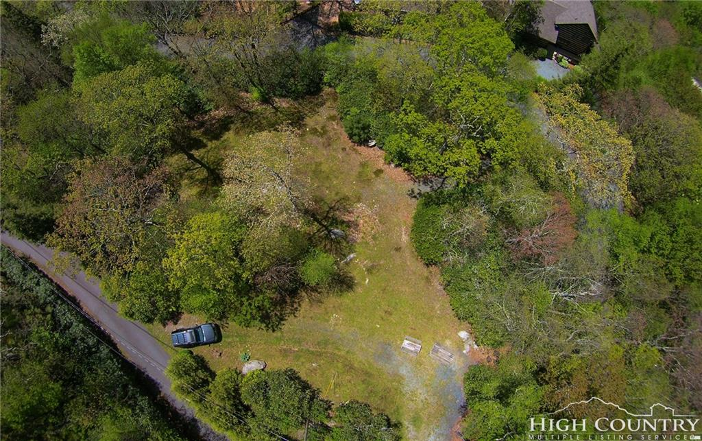 tbd Spruce Pine Trl.,Blowing Rock,North Carolina 28605,Land,tbd Spruce Pine Trl.,1033